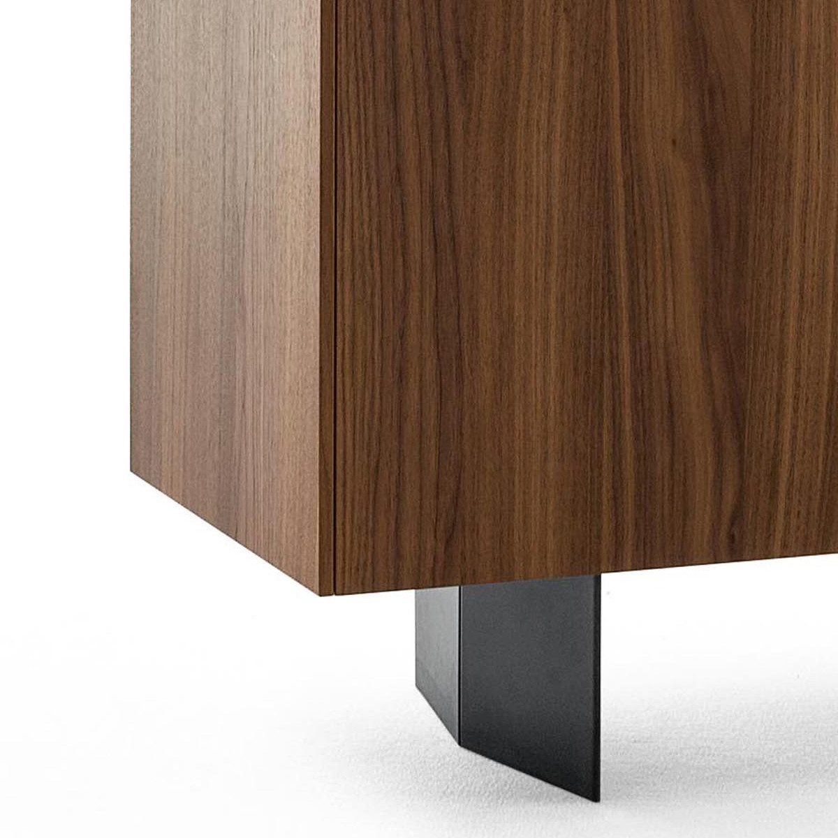 bonaldo outline sideboard 240 cm standf e casa de. Black Bedroom Furniture Sets. Home Design Ideas